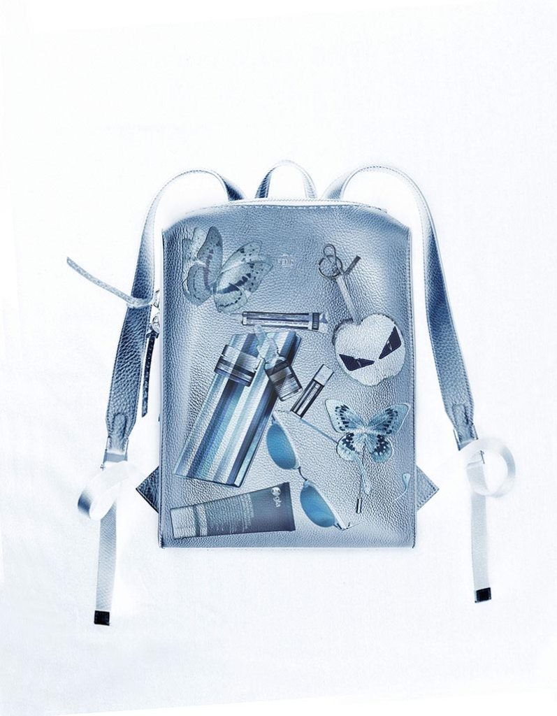 X-ray style carry items in bag